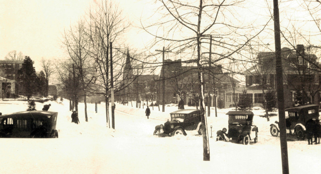Baltimore Historic Cars stuck in snowdrifts following the storm in 1922.